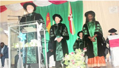 Dr.-Palmer,-CIMS-Director-takes-to-the-rostrum