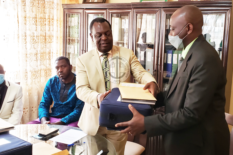 Prof Tih hands over equipment , charge them to use judicously